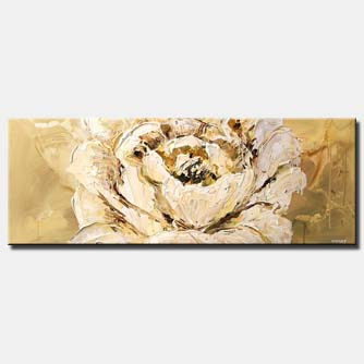 large white blossom flower horizontal decor